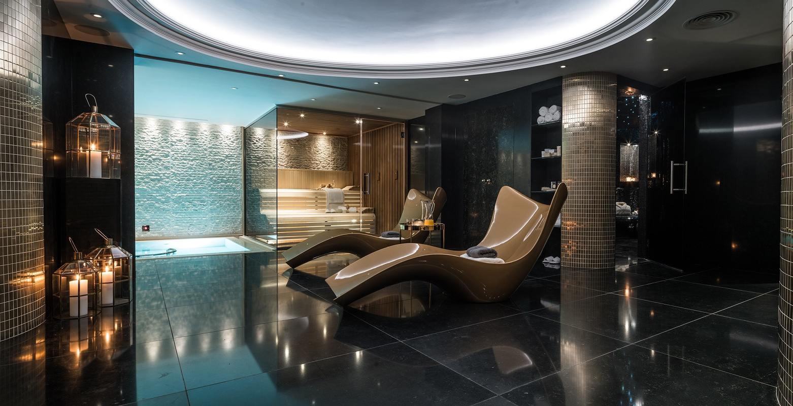 Neo-Georgian style spa lounge