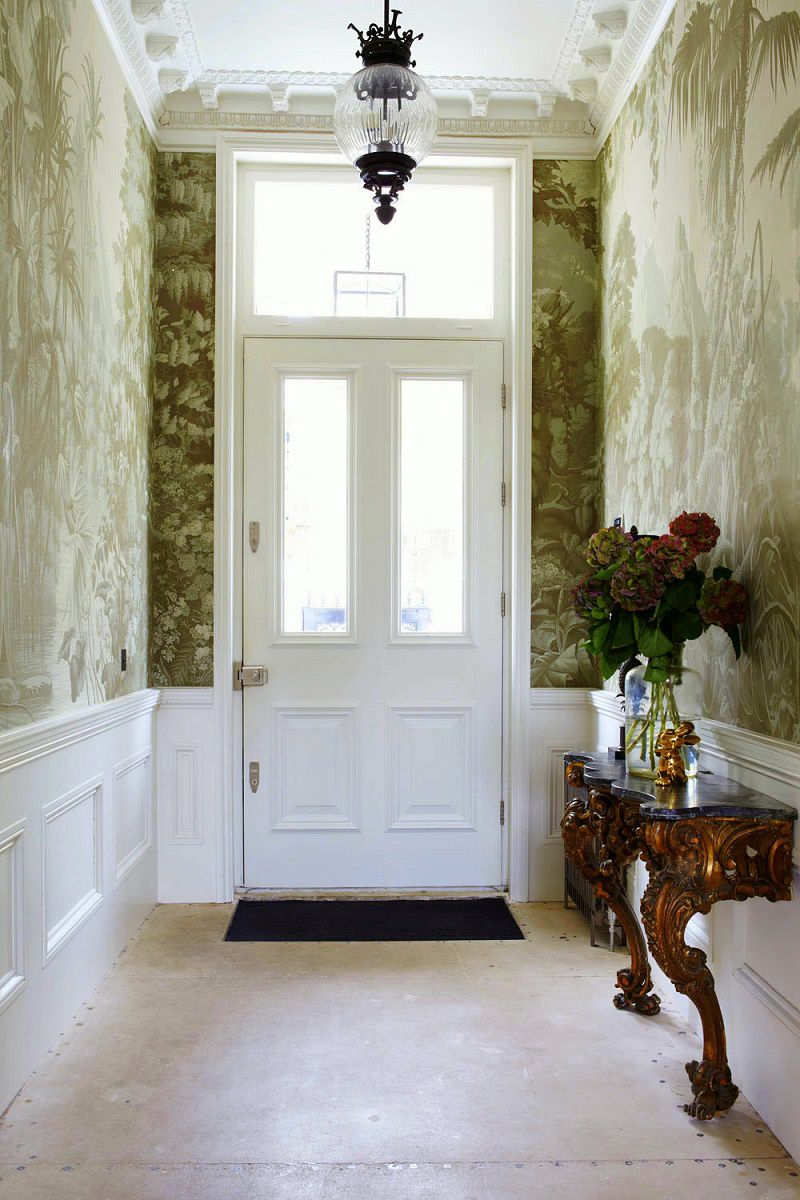 Notting Hill townhouse vestibule