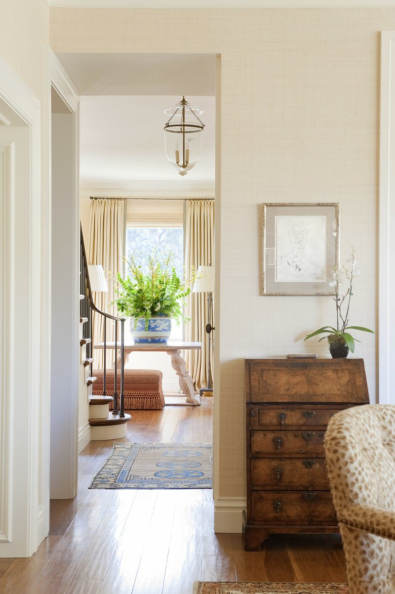 Suzanne Tucker traditional style hallway